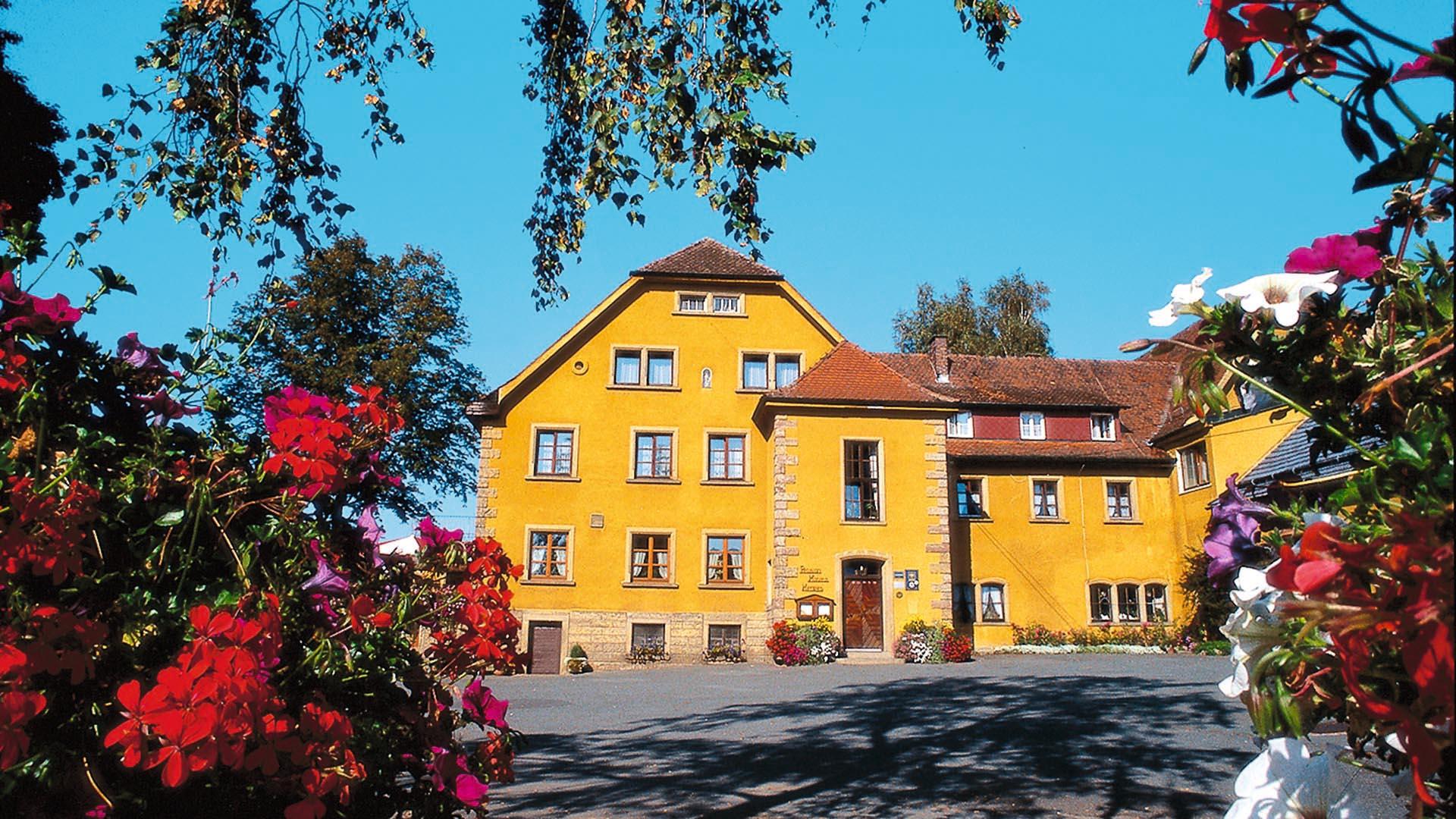 tourenfahrer hotels landgasthof haueis frankenwald deutschland. Black Bedroom Furniture Sets. Home Design Ideas