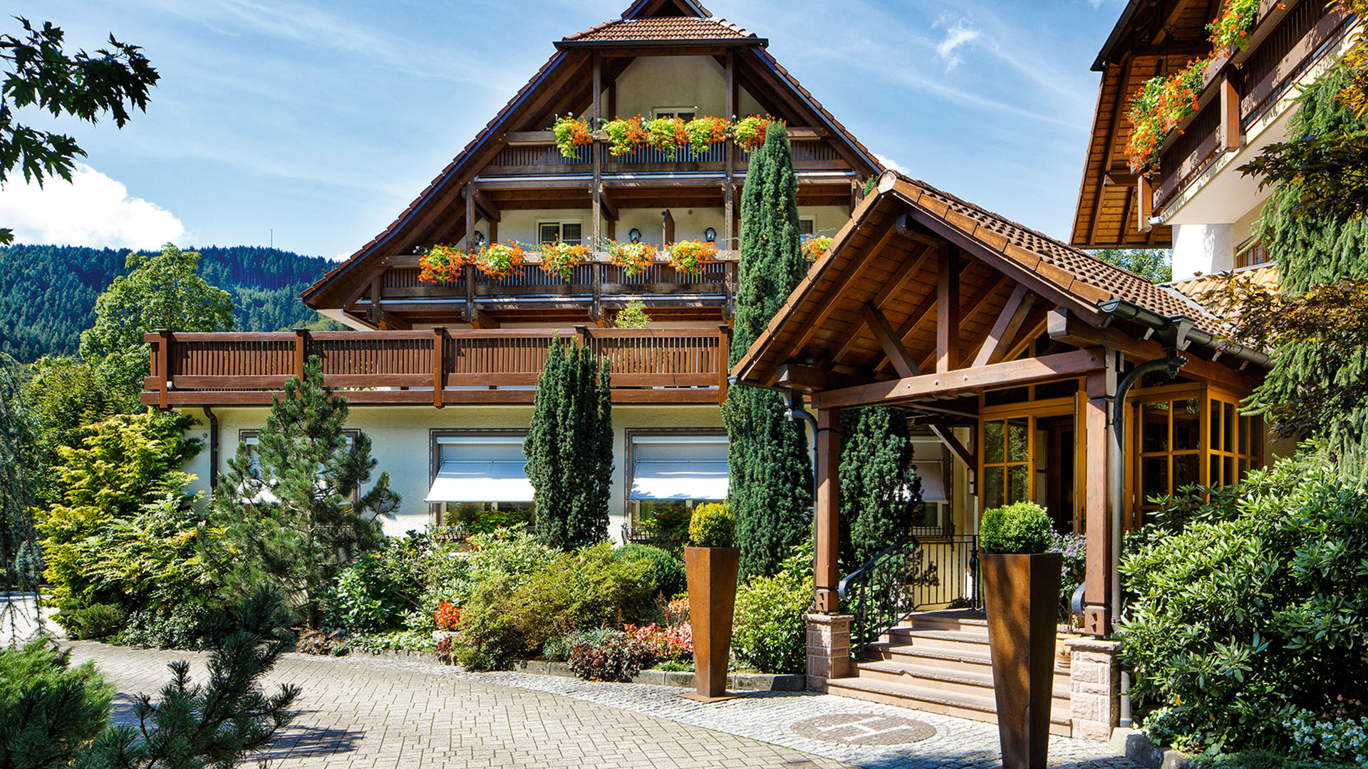 tourenfahrer hotels landhotel hirschen mittlerer schwarzwald deutschland. Black Bedroom Furniture Sets. Home Design Ideas