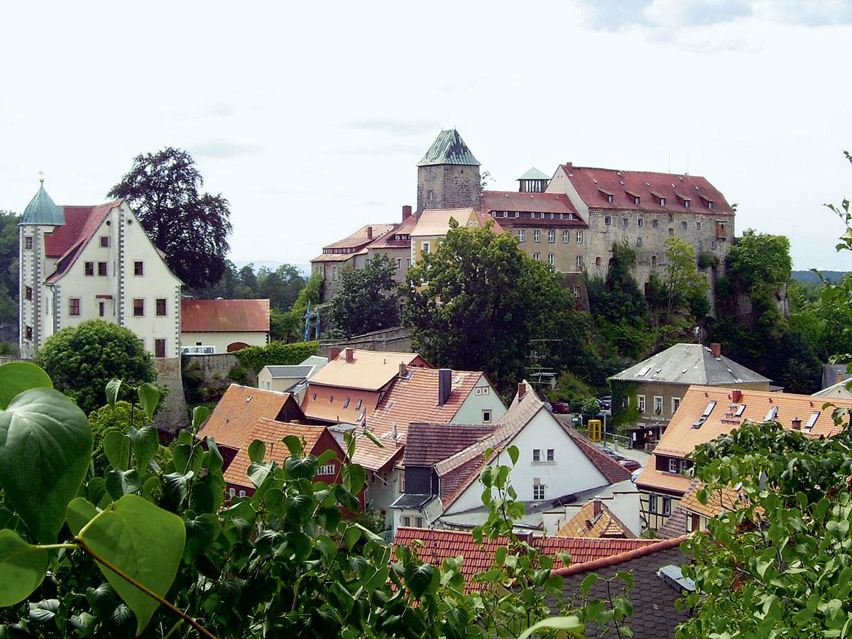 Burg hohnstein for Appoggiarsi all aggiunta al garage