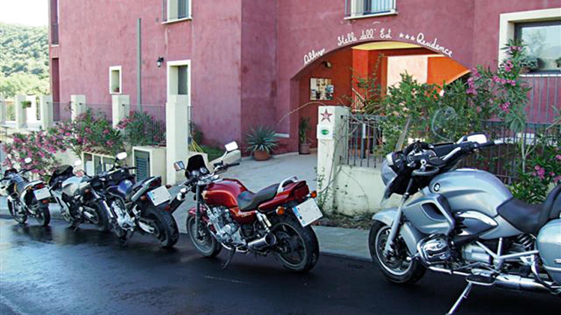 biker trifft reh